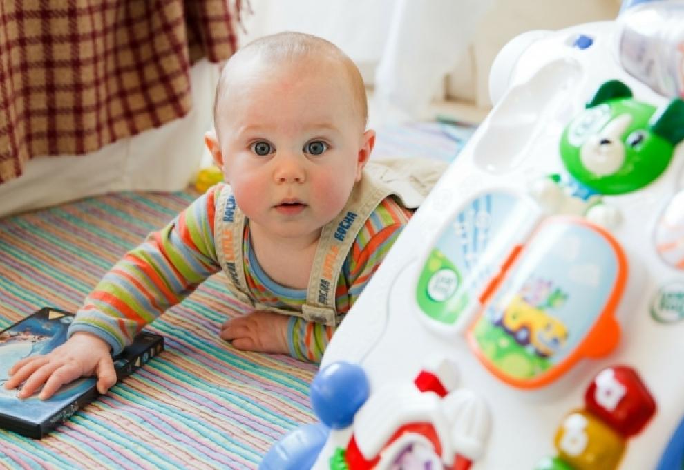 Regalos Para Bebes De Un Mes.Juegos Y Juguetes Planeta Mama