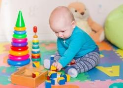 Regalos Para Bebes De Un Mes.Te Contamos Cual Es El Mejor Juguete Para Los Ninos Segun Su